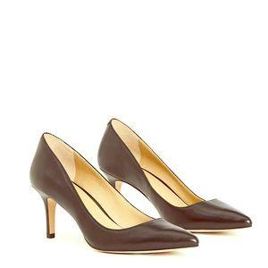 Ann Taylor Leather pumps